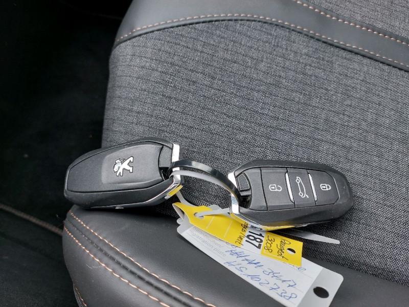 Photo 17 de l'offre de PEUGEOT 3008 2.0 BLUEHDI 150CH GT LINE S&S à 23990€ chez Carlyss automobiles Vitré