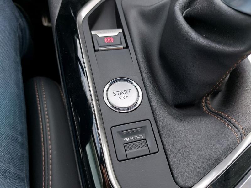 Photo 16 de l'offre de PEUGEOT 3008 2.0 BLUEHDI 150CH GT LINE S&S à 23990€ chez Carlyss automobiles Vitré
