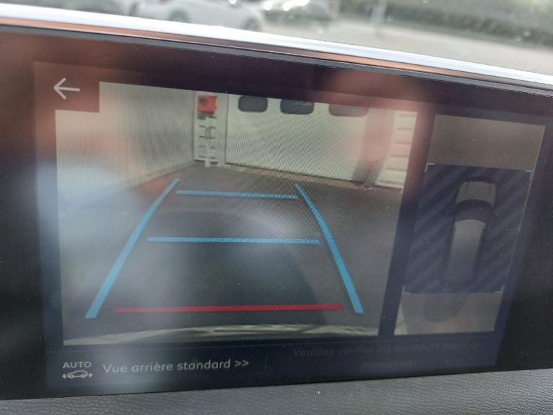 Photo 18 de l'offre de PEUGEOT 3008 2.0 BLUEHDI 150CH GT LINE S&S à 23990€ chez Carlyss automobiles Vitré