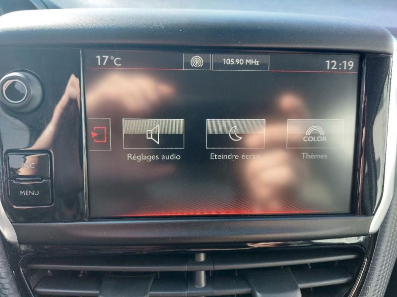 Photo 17 de l'offre de PEUGEOT 208 1.2 PURETECH 110CH GT LINE S&S 3P à 10290€ chez Carlyss automobiles Vitré