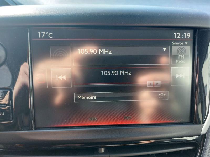 Photo 16 de l'offre de PEUGEOT 208 1.2 PURETECH 110CH GT LINE S&S 3P à 10290€ chez Carlyss automobiles Vitré
