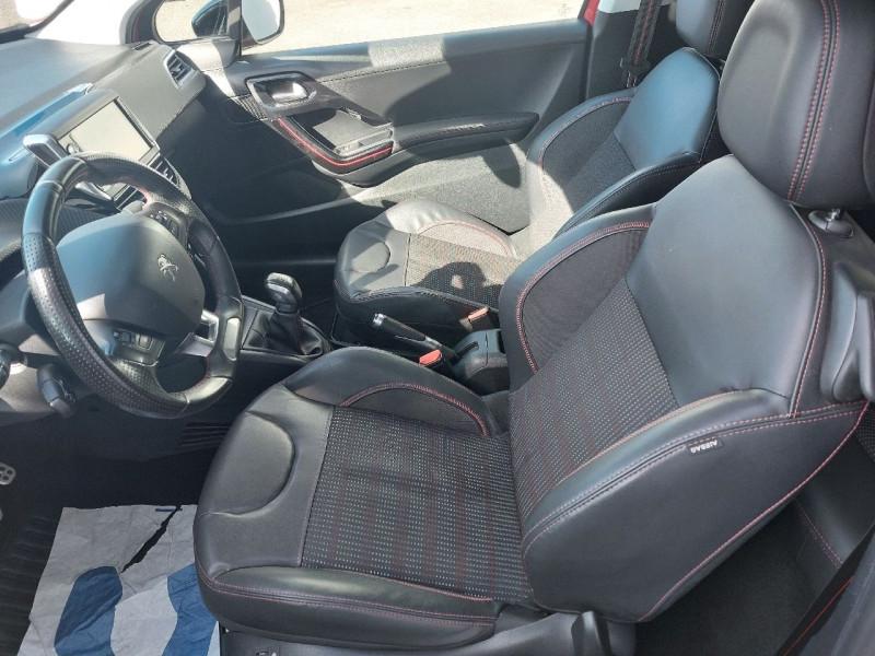 Photo 9 de l'offre de PEUGEOT 208 1.2 PURETECH 110CH GT LINE S&S 3P à 10290€ chez Carlyss automobiles Vitré