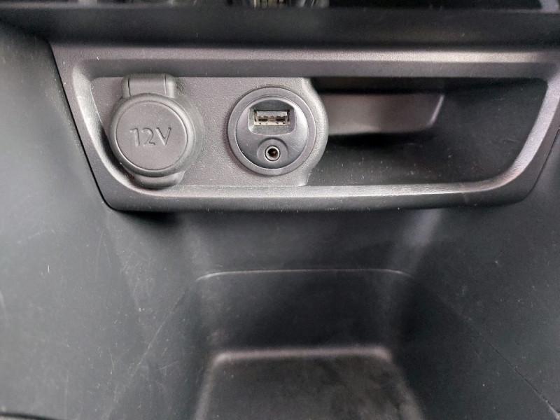 Photo 14 de l'offre de PEUGEOT 208 1.2 PURETECH 110CH GT LINE S&S 3P à 10290€ chez Carlyss automobiles Vitré