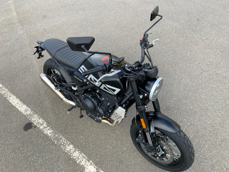 Photo 3 de l'offre de BRIXTON 500 CROSSFIRE X A2 à 6190€ chez Franck motos