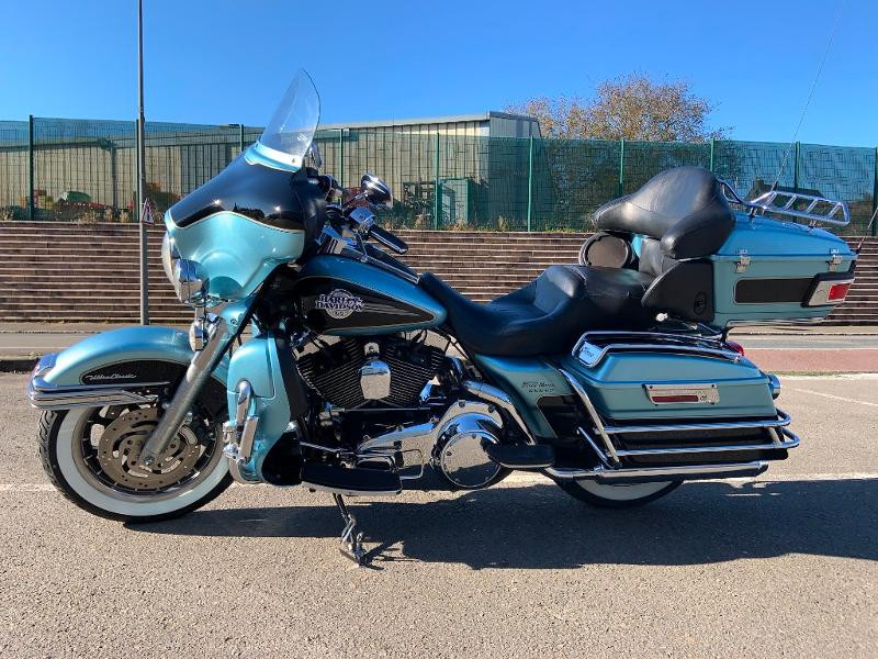 Harley-Davidson Electra GLIDE ULTRA CLASSIC 1584 Essence BEUE/NOIRE Occasion à vendre