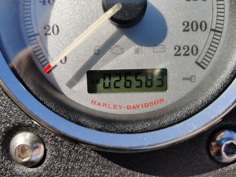 Photo 12 de l'offre de HARLEY-DAVIDSON Dyna Street Bob 1584 STAGE 1 à 11490€ chez Franck motos