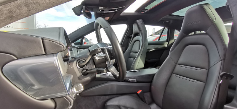 Photo 7 de l'offre de PORSCHE PANAMERA SPORT TURISMO 4.0 V8 550CH TURBO à 119990€ chez Maximum Automobiles
