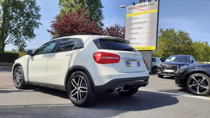 Photo 3 de l'offre de MERCEDES-BENZ CLASSE GLA (X156) 250 SENSATION 4MATIC 7G-DCT à 25990€ chez Maximum Automobiles