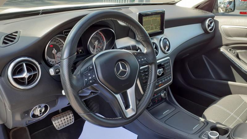 Photo 15 de l'offre de MERCEDES-BENZ CLASSE GLA (X156) 250 SENSATION 4MATIC 7G-DCT à 25990€ chez Maximum Automobiles