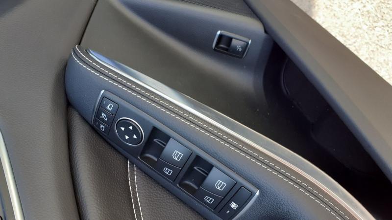 Photo 17 de l'offre de MERCEDES-BENZ CLASSE GLA (X156) 250 SENSATION 4MATIC 7G-DCT à 25990€ chez Maximum Automobiles