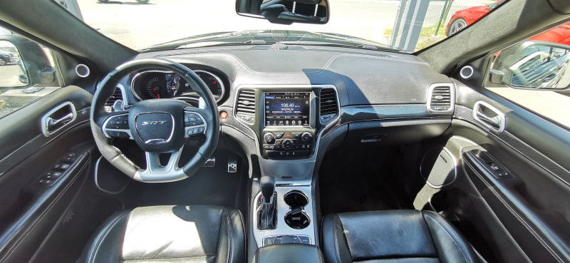 Photo 2 de l'offre de JEEP GRAND CHEROKEE 6.4 V8 HEMI 468CH SRT BVA8 à 44990€ chez Maximum Automobiles