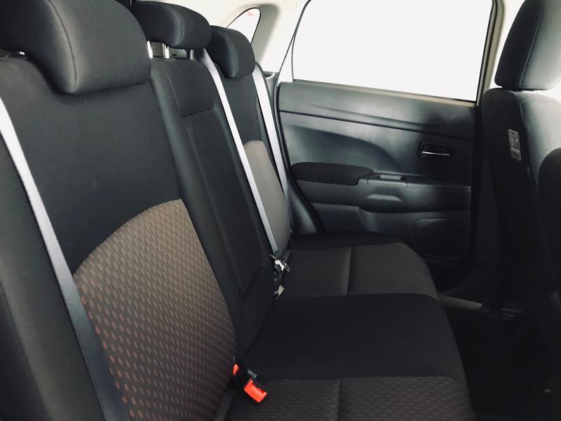 Photo 8 de l'offre de MITSUBISHI ASX 1.6 DI-D 115ch Black Collection 2WD 2018 à 16990€ chez Renault Léguevin Auto distribution occitane