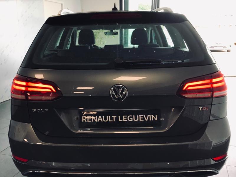 Photo 4 de l'offre de VOLKSWAGEN Golf SW 1.6 TDI 115ch FAP BlueMotion Technology Confortline Business à 12490€ chez Renault Léguevin Auto distribution occitane