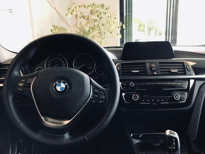 Photo 9 de l'offre de BMW Serie 3 318dA 150ch Business Design Euro6c à 19490€ chez Renault Léguevin Auto distribution occitane