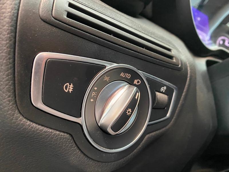 Photo 16 de l'offre de MERCEDES-BENZ Classe C Break 200 d 2.2 Business 9G-Tronic à 20990€ chez Renault Léguevin Auto distribution occitane