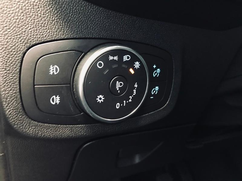 Photo 16 de l'offre de FORD Fiesta Active 1.5 TDCI 85ch S&S Euro6.2 à 12490€ chez Renault Léguevin Auto distribution occitane