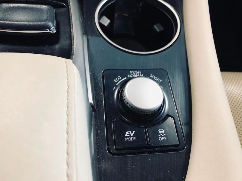 Photo 15 de l'offre de LEXUS RX 450h 4WD Luxe à 35490€ chez Renault Léguevin Auto distribution occitane
