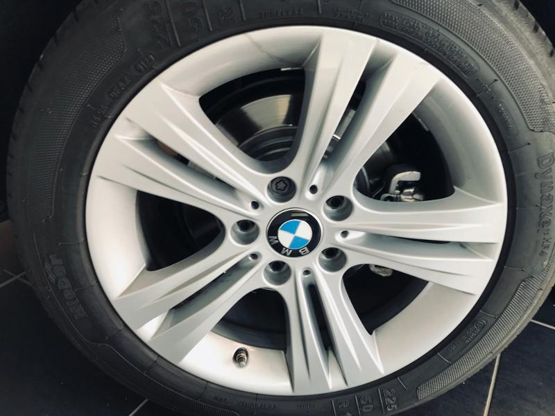 Photo 19 de l'offre de BMW Serie 3 318dA 150ch Business Design Euro6c à 19490€ chez Renault Léguevin Auto distribution occitane