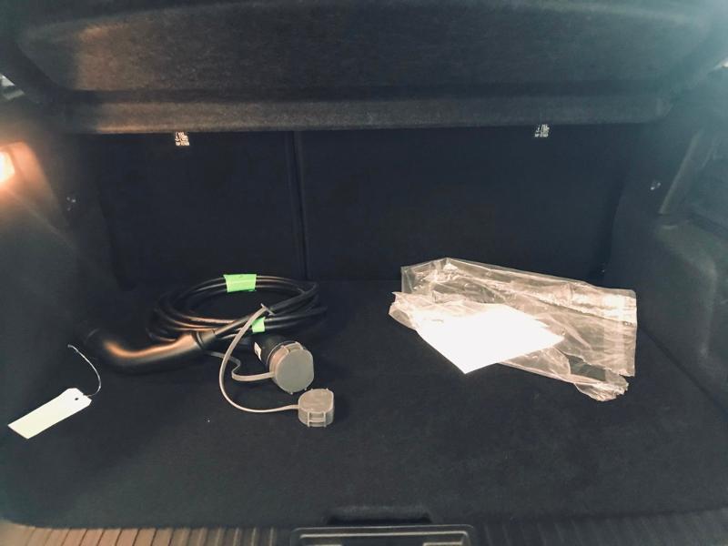 Photo 22 de l'offre de RENAULT Captur 1.6 E-Tech Plug-in 160ch Initiale Paris à 30990€ chez Renault Léguevin Auto distribution occitane