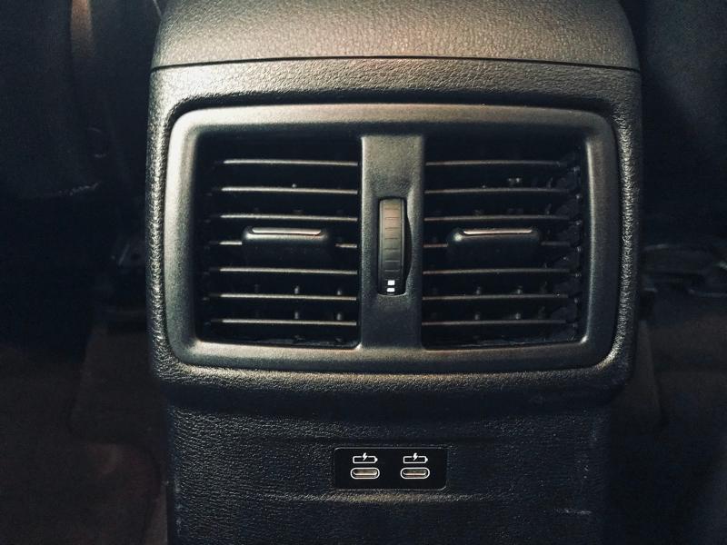 Photo 15 de l'offre de BMW X1 xDrive18d 150ch Business Design à 21490€ chez Renault Léguevin Auto distribution occitane