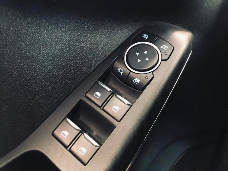 Photo 17 de l'offre de FORD Fiesta Active 1.5 TDCI 85ch S&S Euro6.2 à 12490€ chez Renault Léguevin Auto distribution occitane