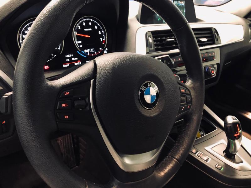 Photo 10 de l'offre de BMW Serie 1 118iA 136ch UrbanChic 3p à 21490€ chez Renault Léguevin Auto distribution occitane