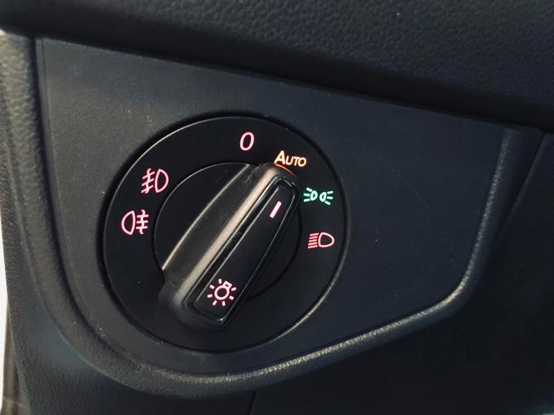 Photo 17 de l'offre de VOLKSWAGEN Polo 1.0 TSI 95ch Copper Line Euro6d-T à 18490€ chez Renault Léguevin Auto distribution occitane