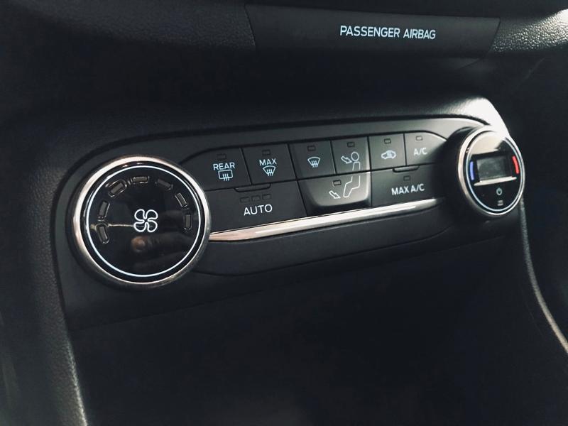 Photo 14 de l'offre de FORD Fiesta Active 1.5 TDCI 85ch S&S Euro6.2 à 12490€ chez Renault Léguevin Auto distribution occitane