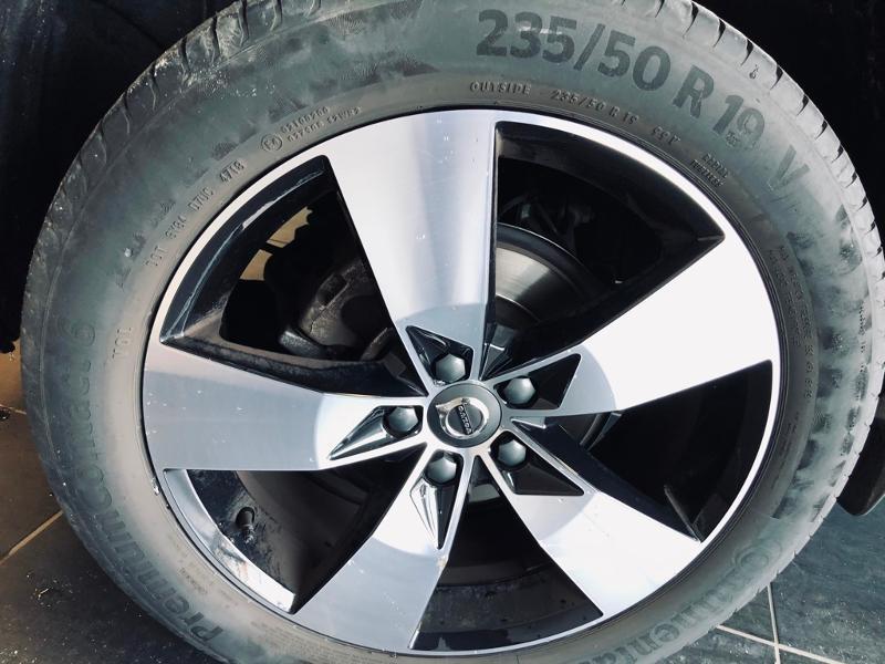 Photo 17 de l'offre de VOLVO XC40 D3 AdBlue AWD 150ch Momentum Geartronic 8 à 32990€ chez Renault Léguevin Auto distribution occitane