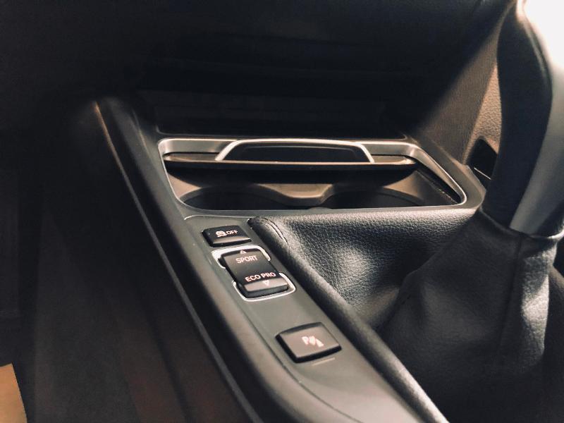 Photo 16 de l'offre de BMW Serie 3 Touring 318d 150ch Business Design à 23990€ chez Renault Léguevin Auto distribution occitane