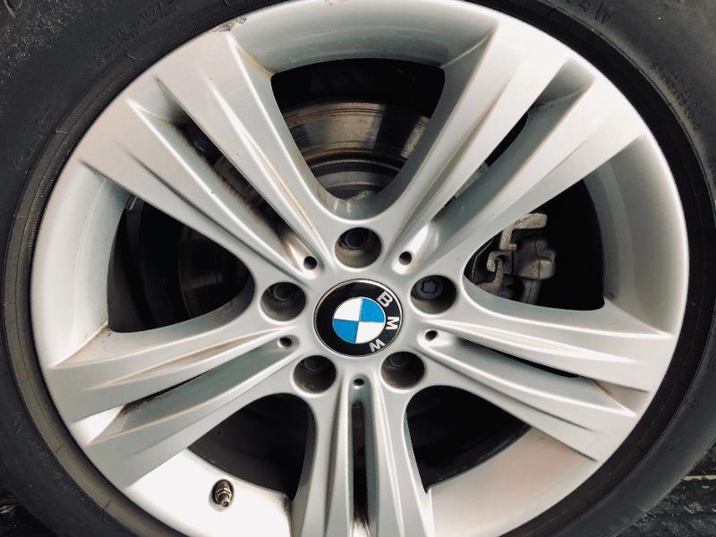 Photo 20 de l'offre de BMW Serie 3 Touring 318d 150ch Business Design à 23990€ chez Renault Léguevin Auto distribution occitane