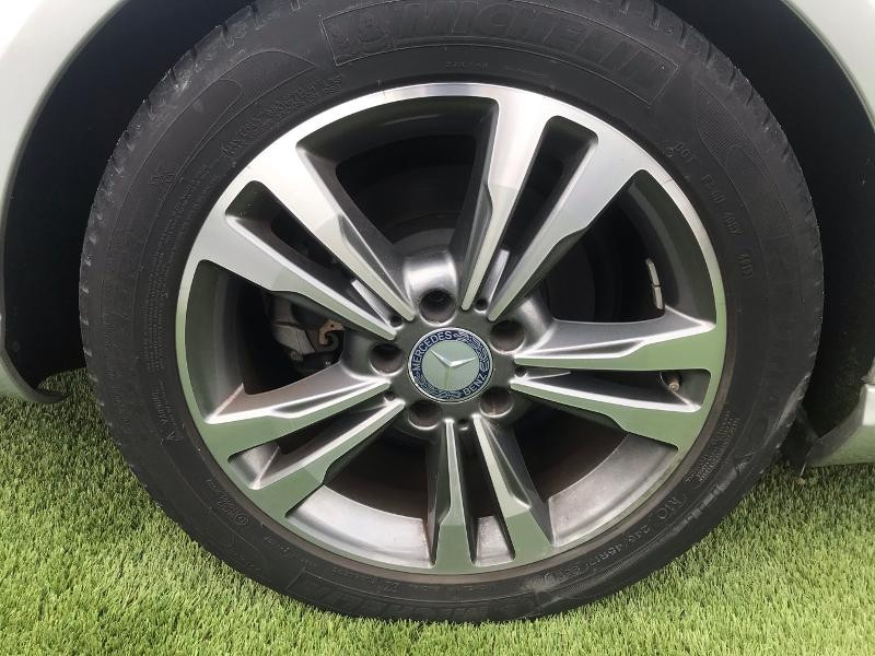 Photo 5 de l'offre de MERCEDES-BENZ Classe E 220 EXECUTIVE BA à 31490€ chez Renault Léguevin Auto distribution occitane