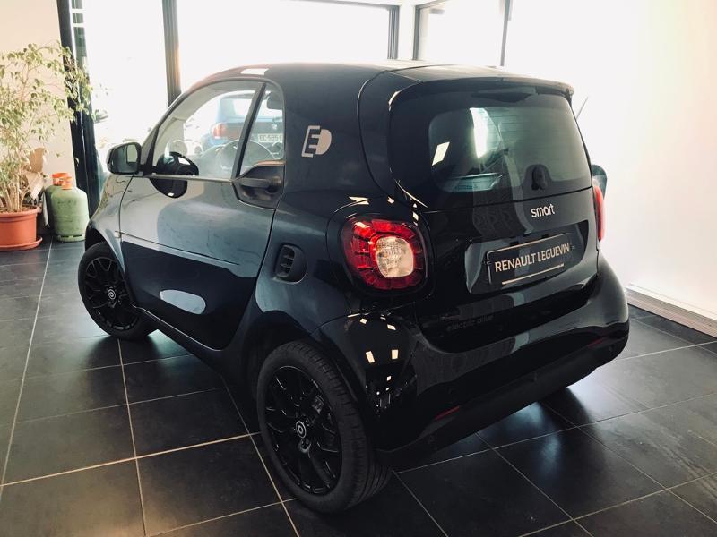 Photo 3 de l'offre de SMART Fortwo Coupe Electrique 82ch prime à 13990€ chez Renault Léguevin Auto distribution occitane