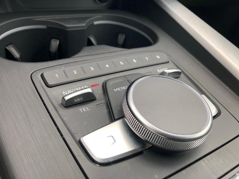 Photo 18 de l'offre de AUDI A4 2.0 TDI 150ch Design Luxe S tronic 7 à 26490€ chez Renault Léguevin Auto distribution occitane