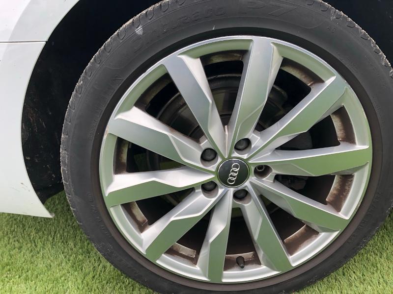 Photo 5 de l'offre de AUDI A4 2.0 TDI 150ch Design Luxe S tronic 7 à 26490€ chez Renault Léguevin Auto distribution occitane