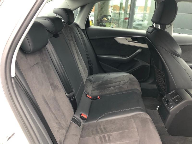 Photo 10 de l'offre de AUDI A4 2.0 TDI 150ch Design Luxe S tronic 7 à 26490€ chez Renault Léguevin Auto distribution occitane