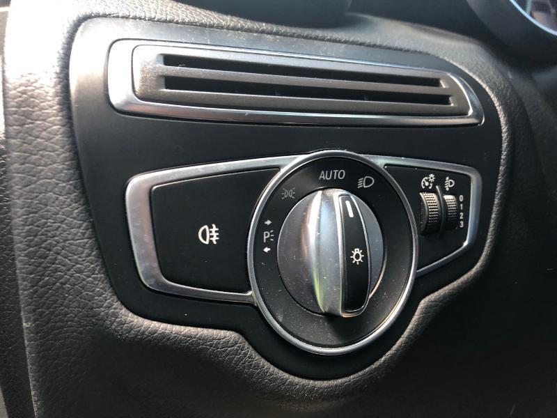 Photo 15 de l'offre de MERCEDES-BENZ GLC 350 e 211+116ch Executive 4Matic 7G-Tronic plus à 39990€ chez Renault Léguevin Auto distribution occitane