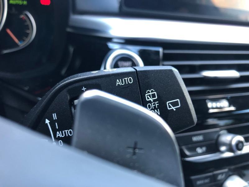 Photo 9 de l'offre de BMW Serie 5 520dA xDrive 190ch Luxury à 38490€ chez Renault Léguevin Auto distribution occitane