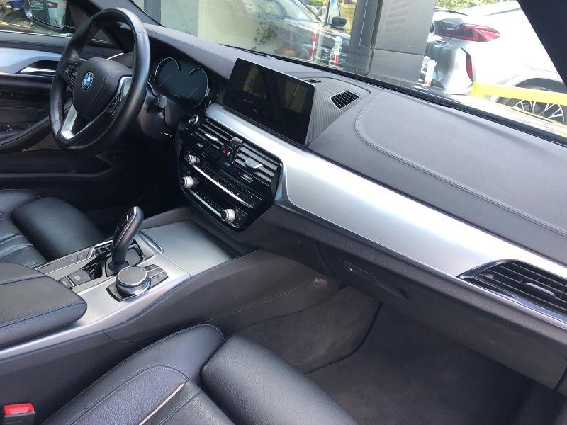 Photo 27 de l'offre de BMW Serie 5 520dA xDrive 190ch Luxury à 38490€ chez Renault Léguevin Auto distribution occitane