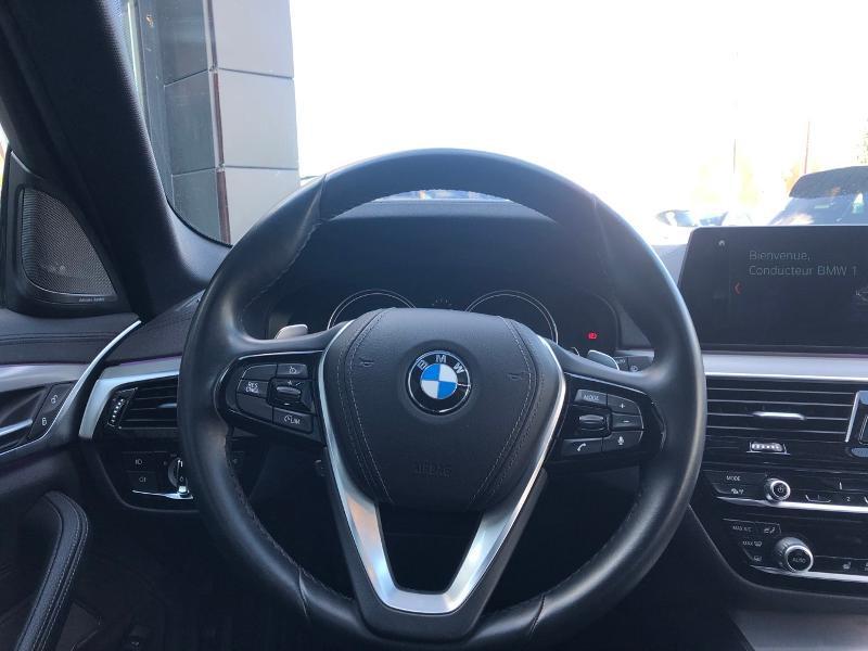 Photo 13 de l'offre de BMW Serie 5 520dA xDrive 190ch Luxury à 38490€ chez Renault Léguevin Auto distribution occitane