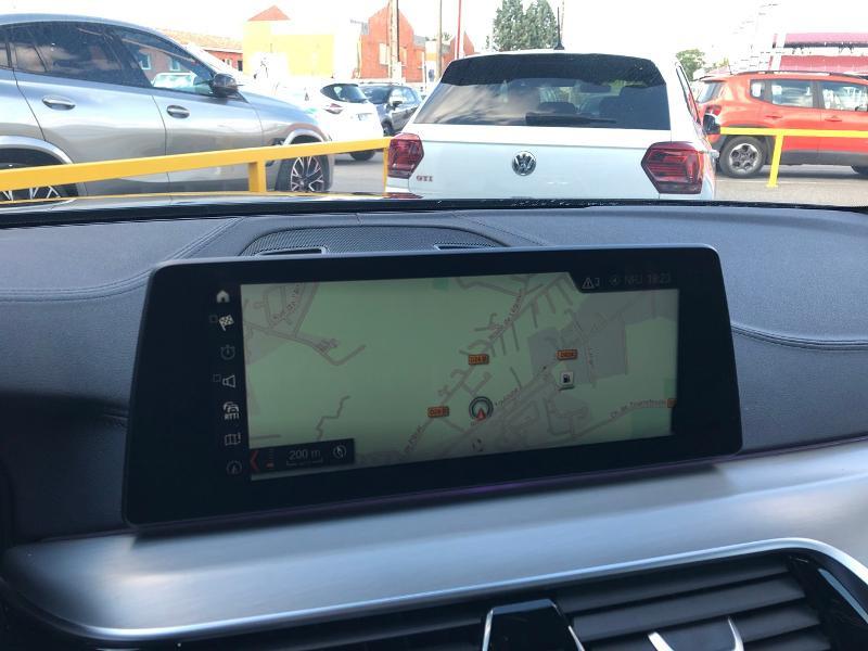 Photo 10 de l'offre de BMW Serie 5 520dA xDrive 190ch Luxury à 38490€ chez Renault Léguevin Auto distribution occitane