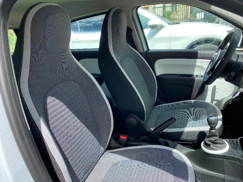 Photo 8 de l'offre de RENAULT Twingo 1.0 SCe 75ch Zen à 11990€ chez Renault Léguevin Auto distribution occitane