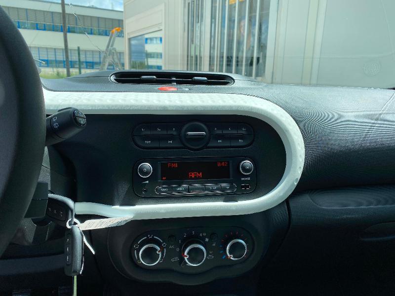 Photo 13 de l'offre de RENAULT Twingo 1.0 SCe 75ch Zen à 11990€ chez Renault Léguevin Auto distribution occitane