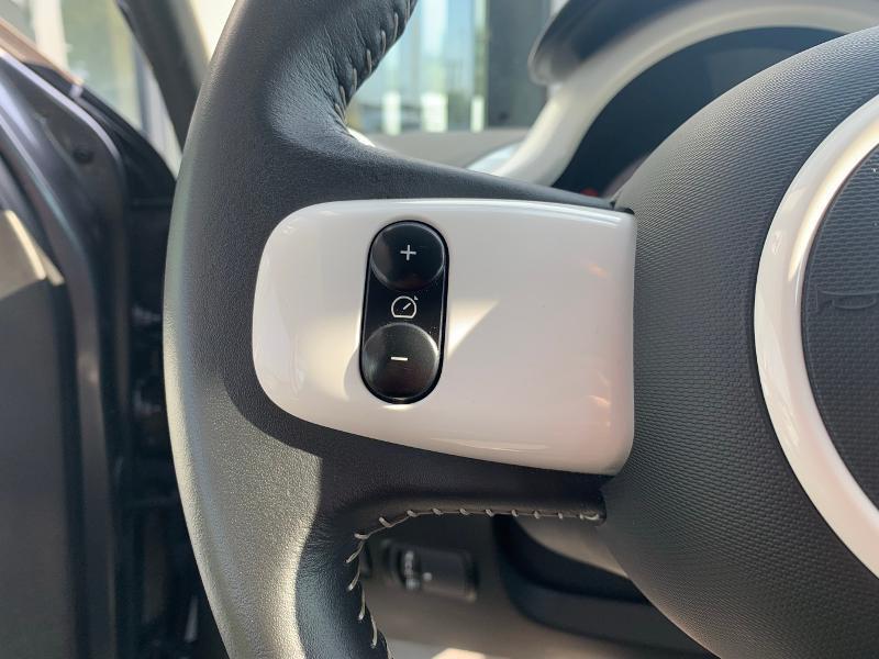 Photo 11 de l'offre de RENAULT Twingo 0.9 TCe 90ch energy Intens à 10490€ chez Renault Léguevin Auto distribution occitane
