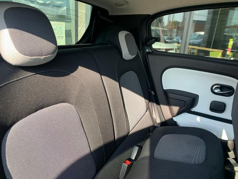 Photo 9 de l'offre de RENAULT Twingo 0.9 TCe 90ch energy Intens à 10490€ chez Renault Léguevin Auto distribution occitane