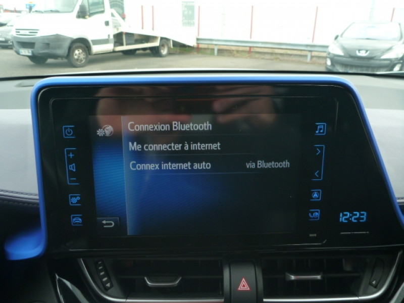 Photo 12 de l'offre de TOYOTA C-HR 1.2 T 116 GRAPHIC AWD CVT à 18490€ chez J'NOV AUTO