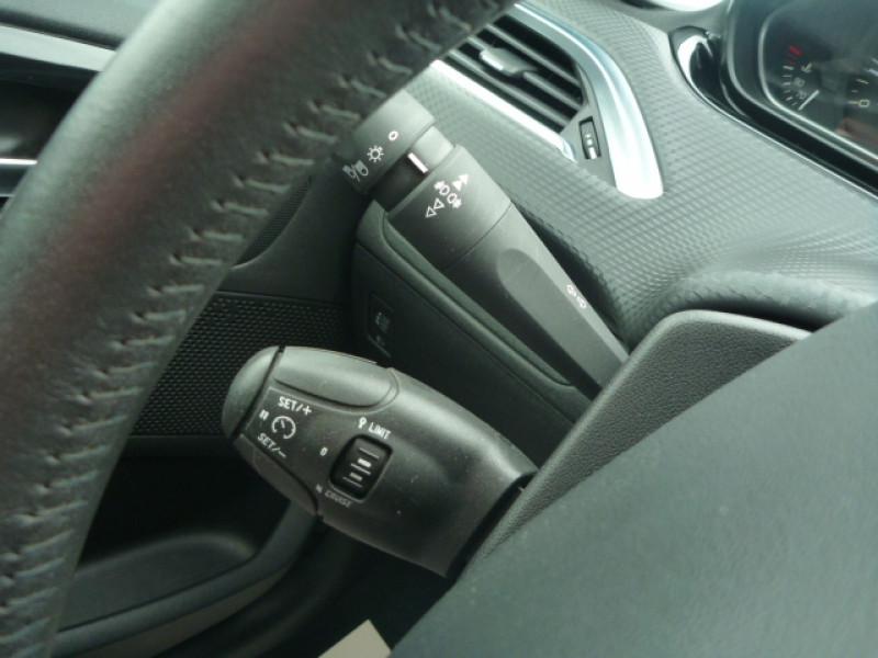 Photo 10 de l'offre de PEUGEOT 208 1.2 PURETECH 82CH STYLE 5P à 10990€ chez J'NOV AUTO