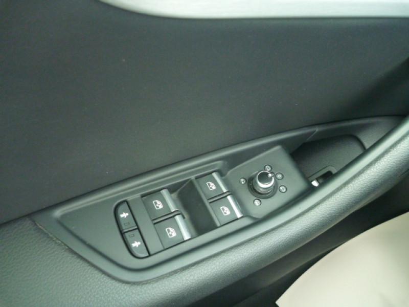 Photo 18 de l'offre de AUDI A4 AVANT 2.0 TDI 150CH S LINE S TRONIC 7 à 22990€ chez J'NOV AUTO