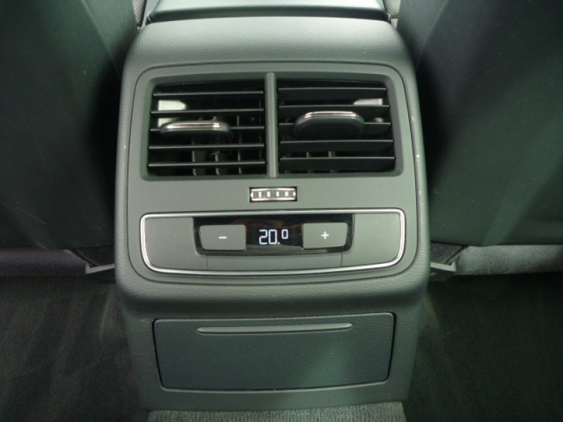 Photo 19 de l'offre de AUDI A4 AVANT 2.0 TDI 150CH S LINE S TRONIC 7 à 22990€ chez J'NOV AUTO