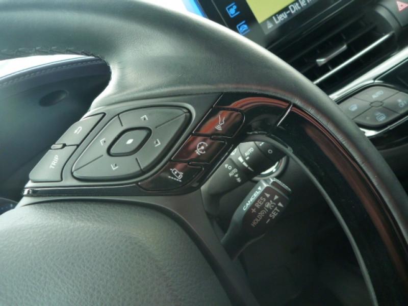 Photo 8 de l'offre de TOYOTA C-HR 1.2 T 116 GRAPHIC AWD CVT à 18490€ chez J'NOV AUTO